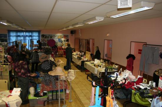 Salon aux bonheur des dames St Pierre en Port